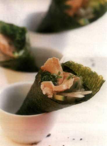 Кулечки темаки с тунцом и овощами – кулинарный рецепт