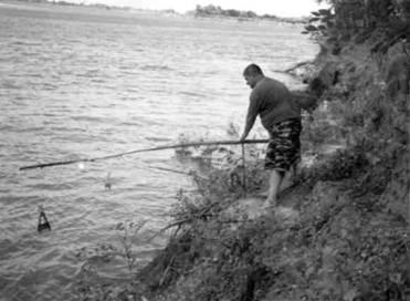 Рыбалка - После заката Иногда рыба, особенно крупная, клюет