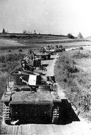 Подразделение танков т 37а на марше